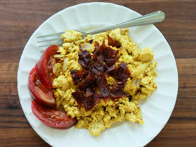 Basic Tofu Scramble with Whole Grain Vegan Bacon