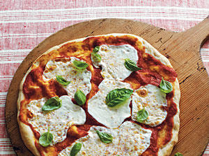 Mozzarella and Basil Pizza