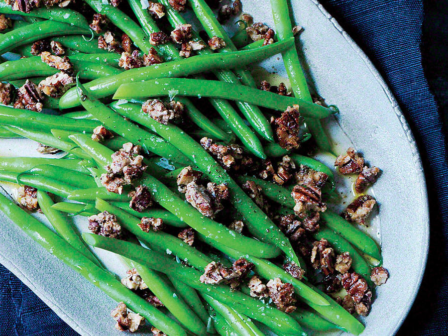 Sautéed Green Beans with Spice-Glazed Pecans