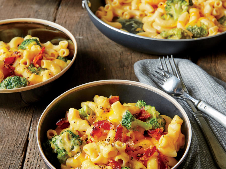 One-Pan Broccoli-Bacon Mac 'N' Cheese