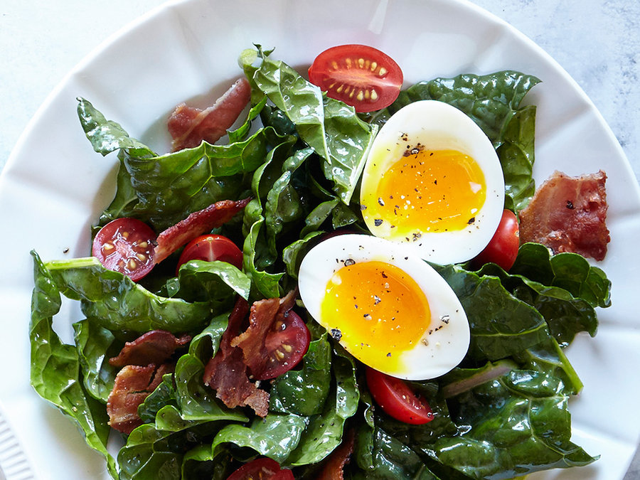 Bacon, Egg, and Kale Breakfast Salad