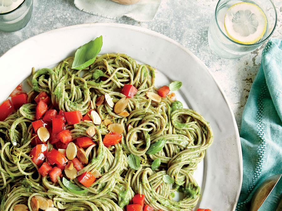Spaghetti with Spinach-Avocado Sauce