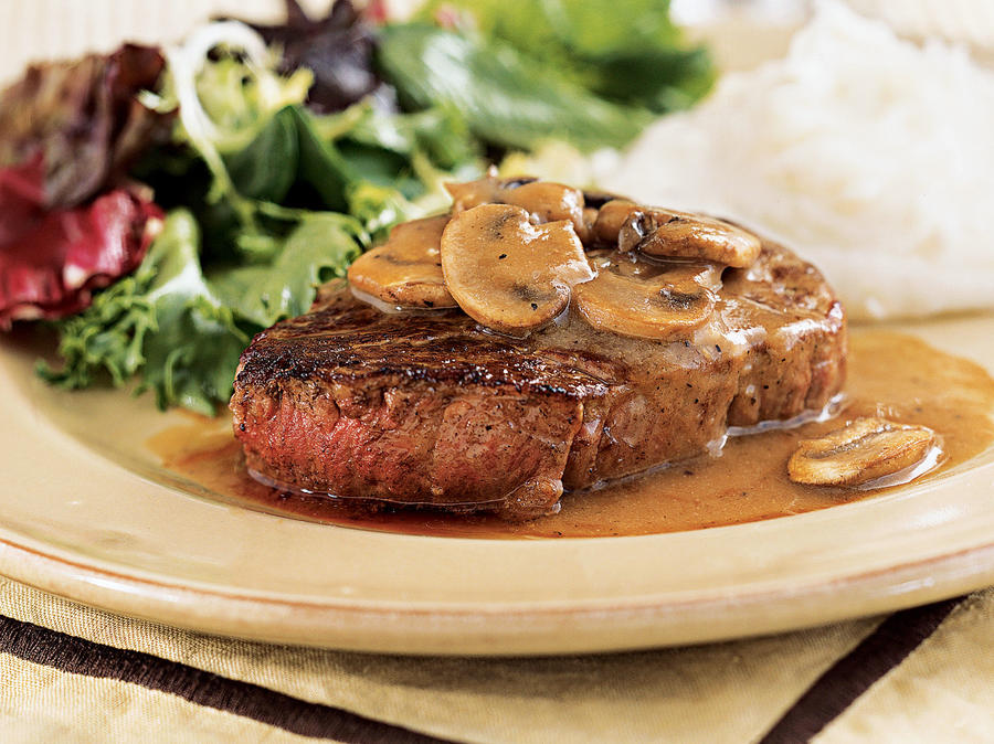 Recipe for Two: Filet Mignon with Mushroom-Wine Sauce