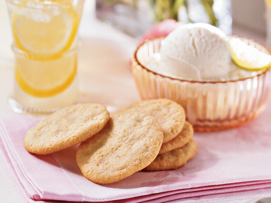 Healthy Lemon-Cornmeal Cookies Recipe