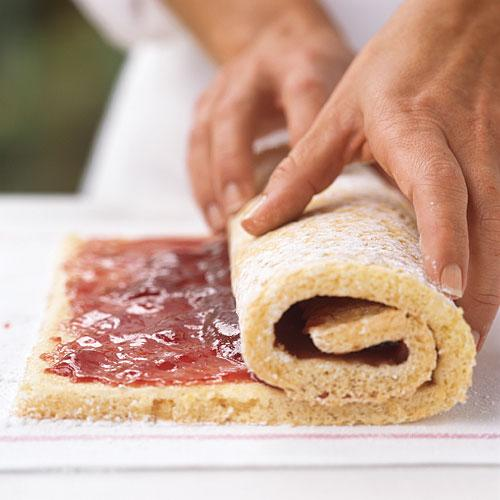 Jelly Roll Cake Use Wax Paper