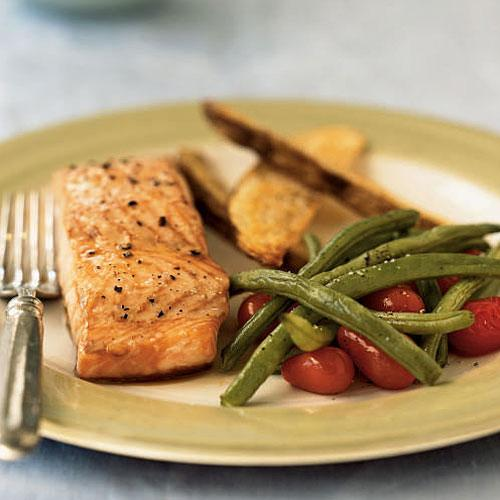Roasted Salmon with Fresh Vegetables