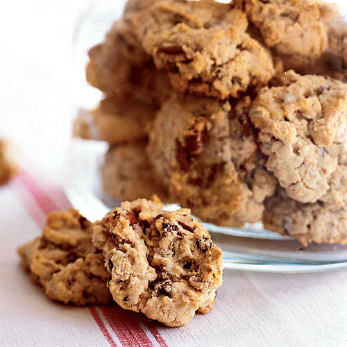 Oatmeal, Chocolate Chip, and Pecan Cookies