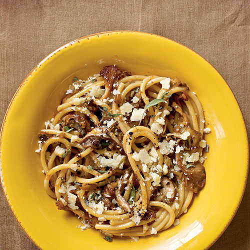Bucatini with Mushrooms
