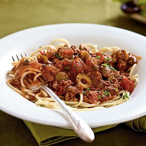 100 Pasta Recipes: Spanish Spaghetti with Olives