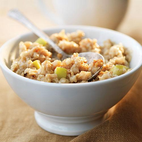 Au Bon Pain: Large Apple Cinnamon Oatmeal