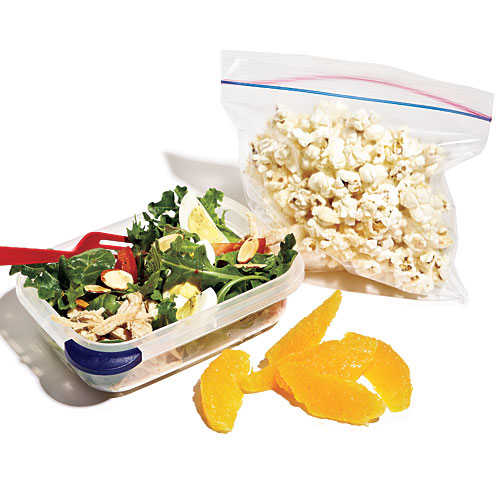Salad with Chicken and Almonds Lunch Box