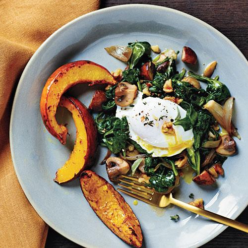 Poached Eggs with Spinach and Walnuts Recipe