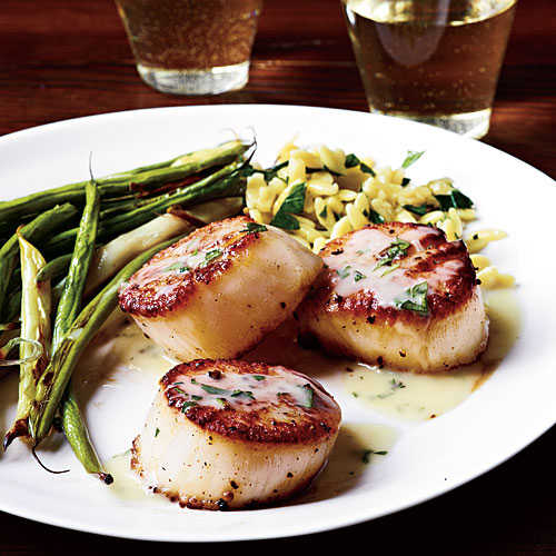 The Best Wine for Seared Scallops and Herb Butter Sauce Recipe