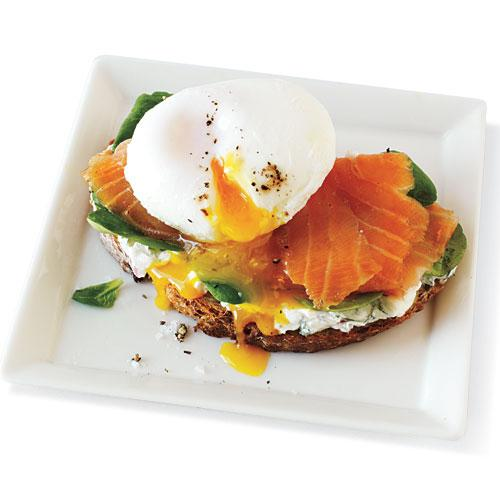 Food Recipes - Smoked Salmon and Egg Sandwich - Comfort Food Breakfast ...