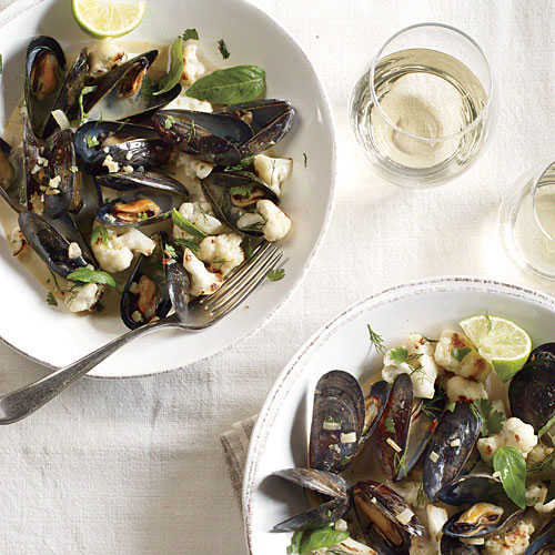 Coconut Curried Mussels with Cauliflower