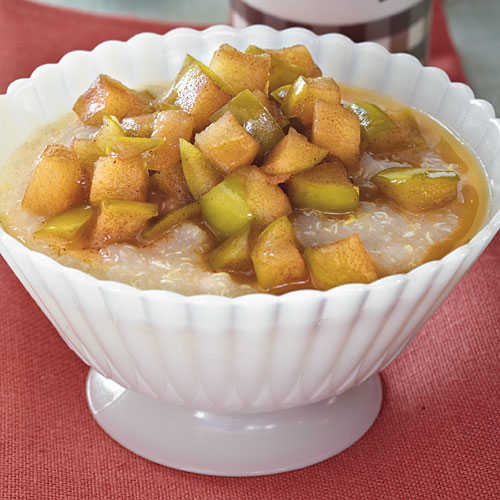 Hot Quinoa Cereal with Maple Syrup Apples