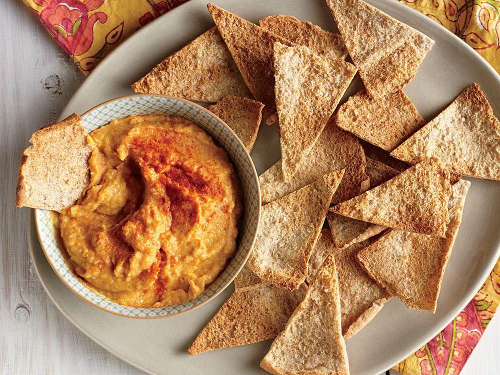 White Bean and Pumpkin Hummus with Pita Chips