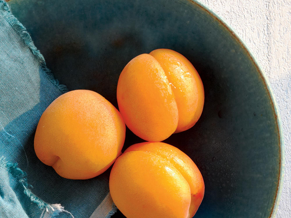 For a boost of beta-carotene, potassium, vitamin C, and fiber in a sweet 50-calorie bundle, be sure to bring home apricots from the farmers' market or grocery store. The peak season for this fresh fruit is from May to August. Sandwiches, snacks, jams, salsas, and salads will all be just a bit sweeter and delicious with apricots.