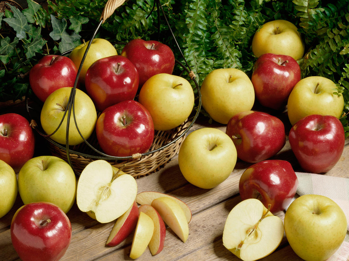 1609w-getty-close-up-apples.jpg