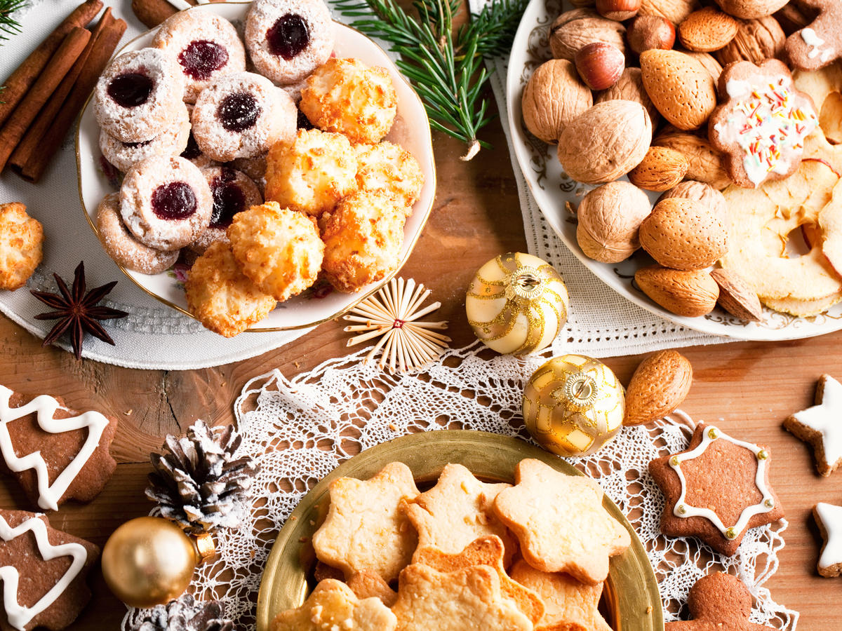 1612w-getty-various-Christmas-cookies.jpg
