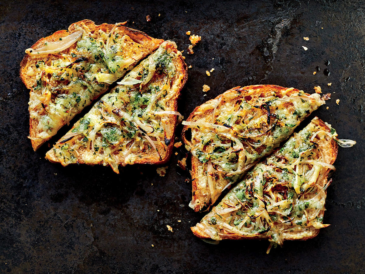 For an Easy App Make Herby Shallot Toasts With Manchego Cheese