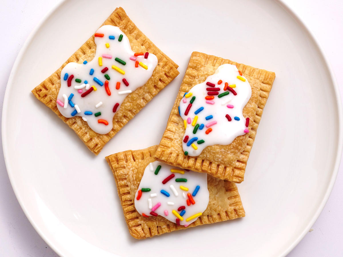 Air Fryer Strawberry Pop Tarts
