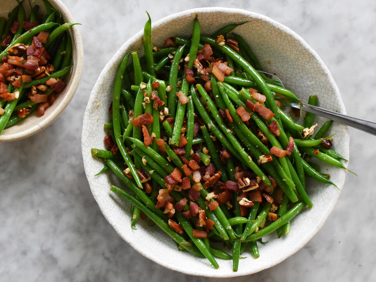 Green Beans with Bacon is the Perfect Healthy Side Dish for Fall