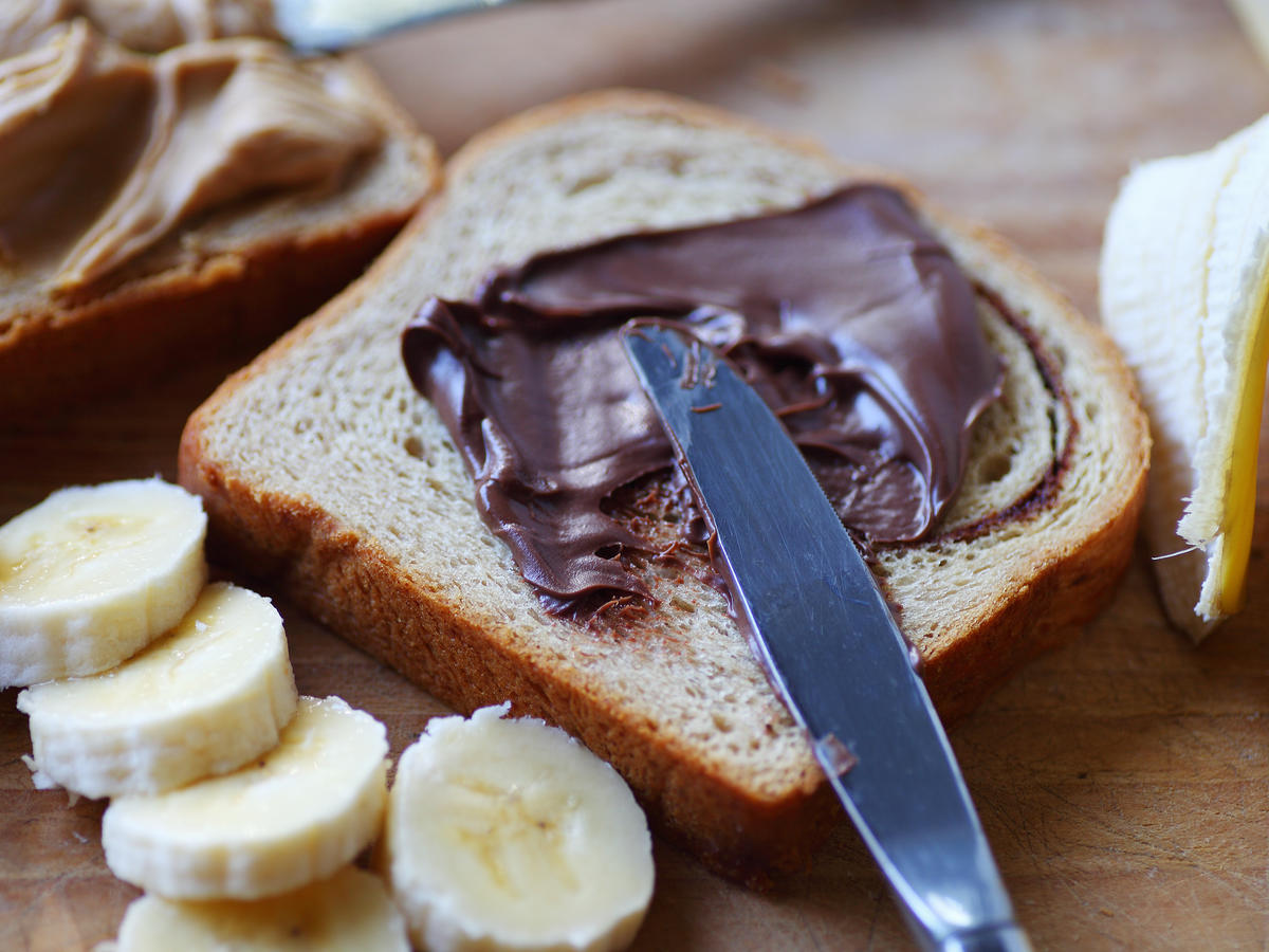 This New Nutella-Like Spread Just Changed My Vegan Life