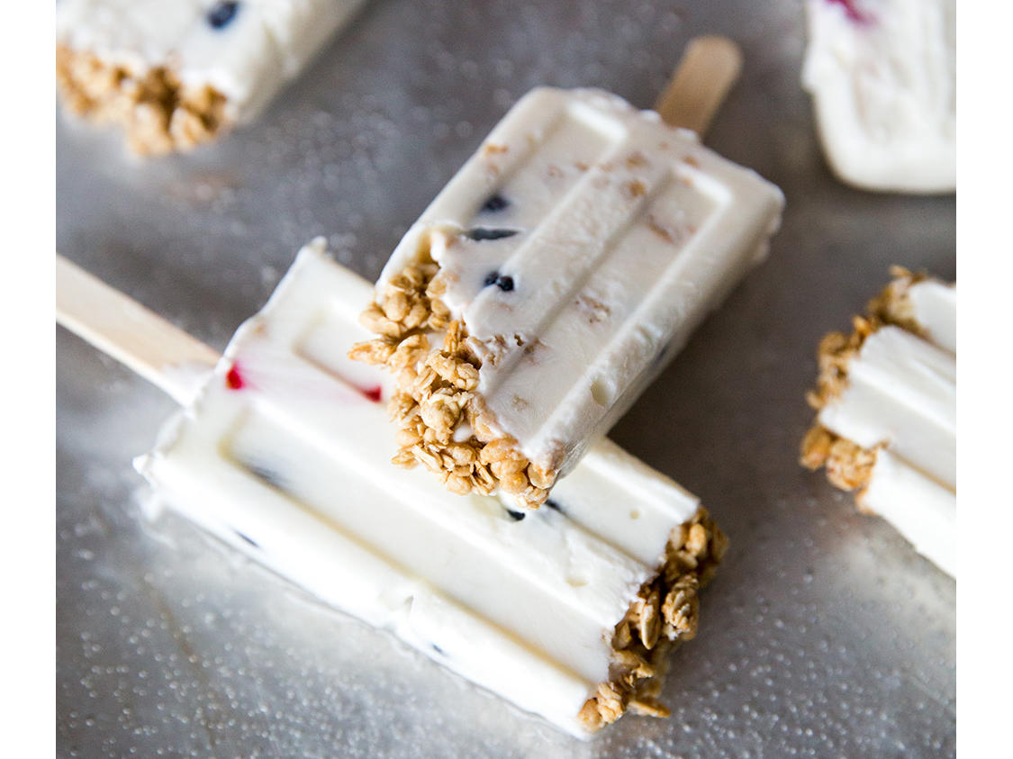 Frozen Breakfast Parfait Pops