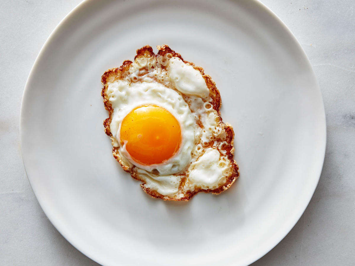 how to eat a sunny side up egg