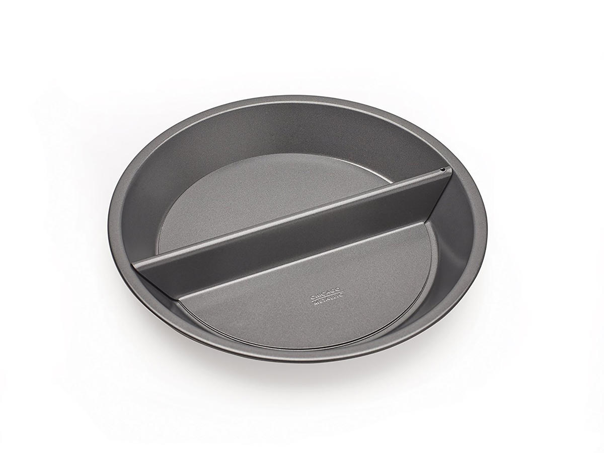 Chicago Metallic Split Decision Pie Pan