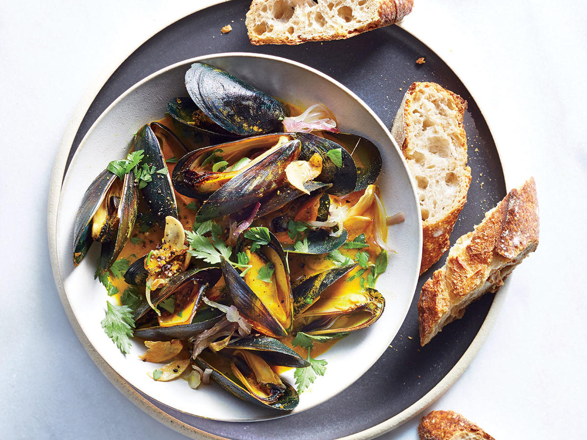 Mussels with Buttery Turmeric Broth