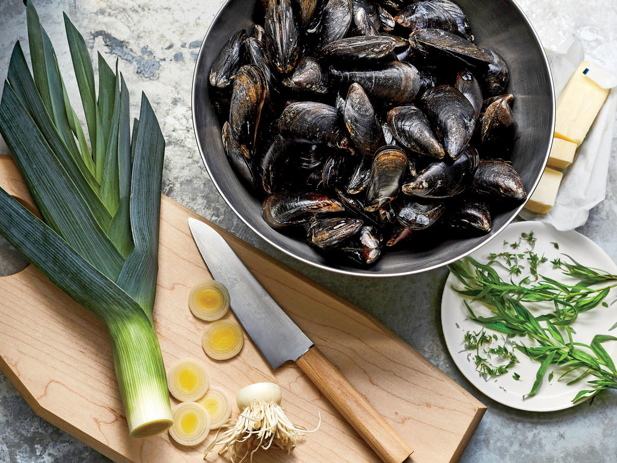 A Perfect Pot of Mussels Prep