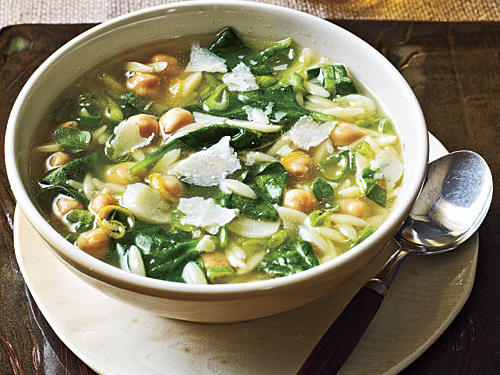 Spinach, Pasta, and Pea Soup Recipe