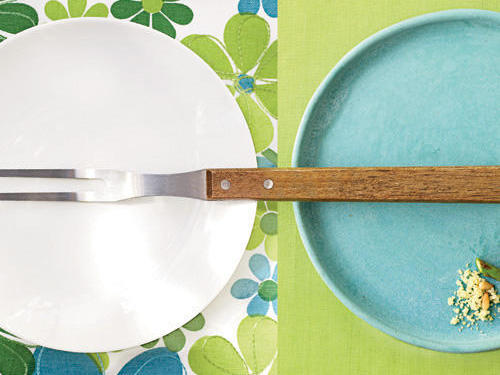 Plates with grill fork