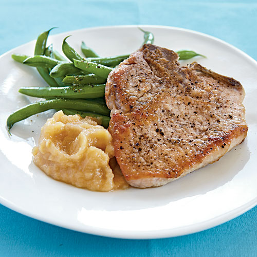 Pork Chops with Bourbon-Peach Sauce - 44 Healthy Pork Chop