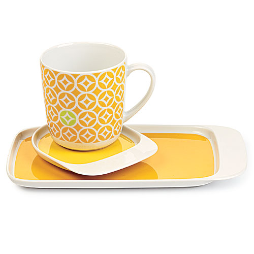 Arzberg Porcelain's Hi-Def Form 1382 breakfast set